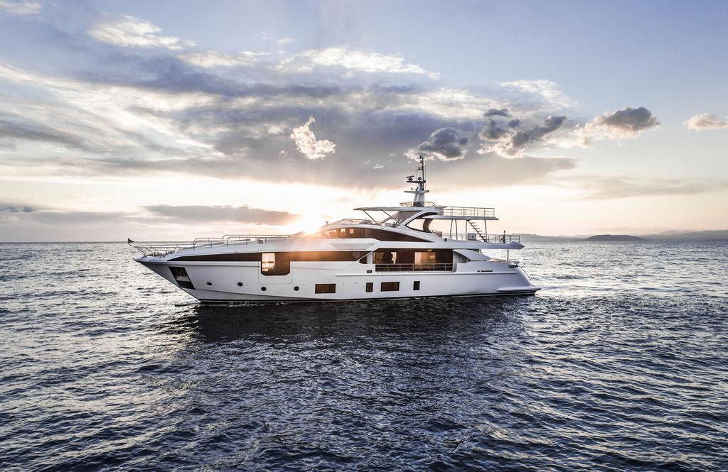 Azimut Grande 35m wins at the Boat International Design & Innovation awards