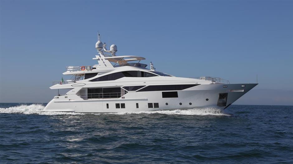 Benetti motor yacht Iron Man sold